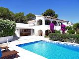 Pretty white Spanish villa, terrace, garden and pool