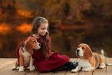 La niña y sus mascotas