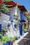 GREECE TRADITIONAL HOUSE