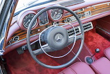 1969 Mercedes-Benz 280SE Cabriolet interior