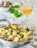 Gnocchi with zucchini and clams