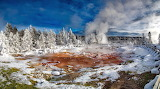Yellowstone-Geyser-National-Park