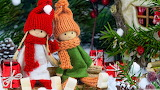 Christmas Doll Two Winter hat Scarf Sitting 558523 1280x720