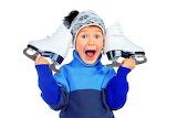 Мальчик с фигурными коньками