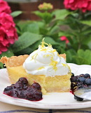 Lemon pie with blueberries