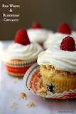 70d3aa0fa7111791c49e53a09a2a7df0--blueberry-cupcakes-happy-endin
