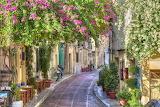 ☺ Pretty street...