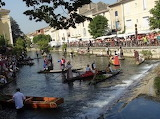 Isle sur la Sorgue - marché sur l'eau
