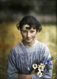 Jeune fille aux fleurs © Gustave Gain