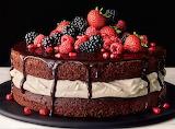 #Fresh Berry Chocolate Cake