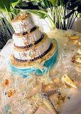 Beach wedding cake @ Island Photography