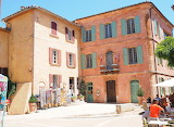 Roussillon, famous village of Provence, France