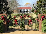 ^ Christmas - Dolly Parton Home, Nashville, Tennessee