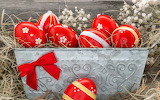 Colours-colorful-red-Easter-eggs-hay