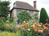 ^ Sissinghurst Castle Garden, at Sissinghurst in the Weald of Ke