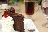 Chocolate-cake-and-coffee-