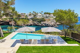 Beautiful seaview luxury garden and pool in Mallorca