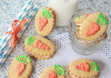 Carrot sandwich cookies