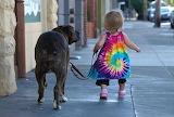 Paseando con su mascota
