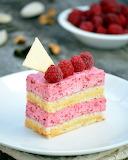 Raspberry vanilla cake