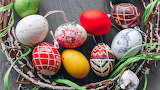 Easter - eggs twigs-holiday-wreath