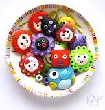 Badges_locoroco__plastic_by_chicoriso