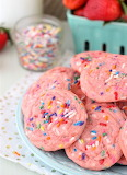 Strawberry funfetti cookies