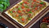 Pizza cuadrada caprese