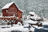 Moulin à eau sous la neige ..