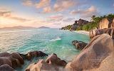 Costa y playa rocosa
