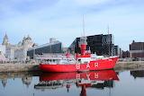 Liverpool-harbor-basin-ship