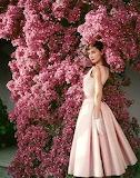 Audrey Hepburn (Pink)