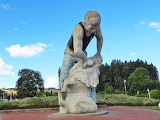 Te Kuti Sheep Shearing Statue