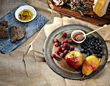 Crystal-Cartier-fruit-honey-plate-picnic