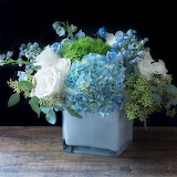 ^ An elegant, contemporary but timeless arrangement in blue whit