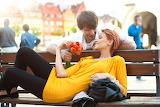 Romantic-couple-love-tulips-bouquet