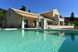 Rural farmhouse and pool in Corfu