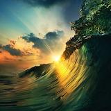 Morskie fale w słońca szale