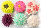 ^ Flower buttercream cupcakes