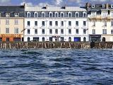 High tide in Saint Malo, le sillon