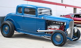 Ford rod 1932 blue with blue wheels
