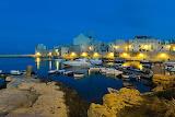 Italie-bari Port by night