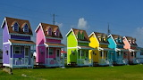 Tiny-house-tiny-colorful-houses-of-hatteras-