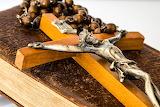 Cross-bible-Jesus-rosary-religion
