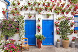 hanging flowerpots, house in Spain
