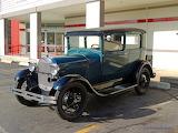 1928 Ford Sedan - Ah-oooo-ga