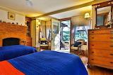 Twin Bedroom (17 of 24)