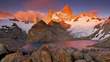 Mountains-glacer-lake-sunset-Patagonia