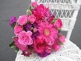 ^ Bouquets Roses Gerberas Dahlias Carnations Chair
