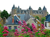 ^ Chateau, France